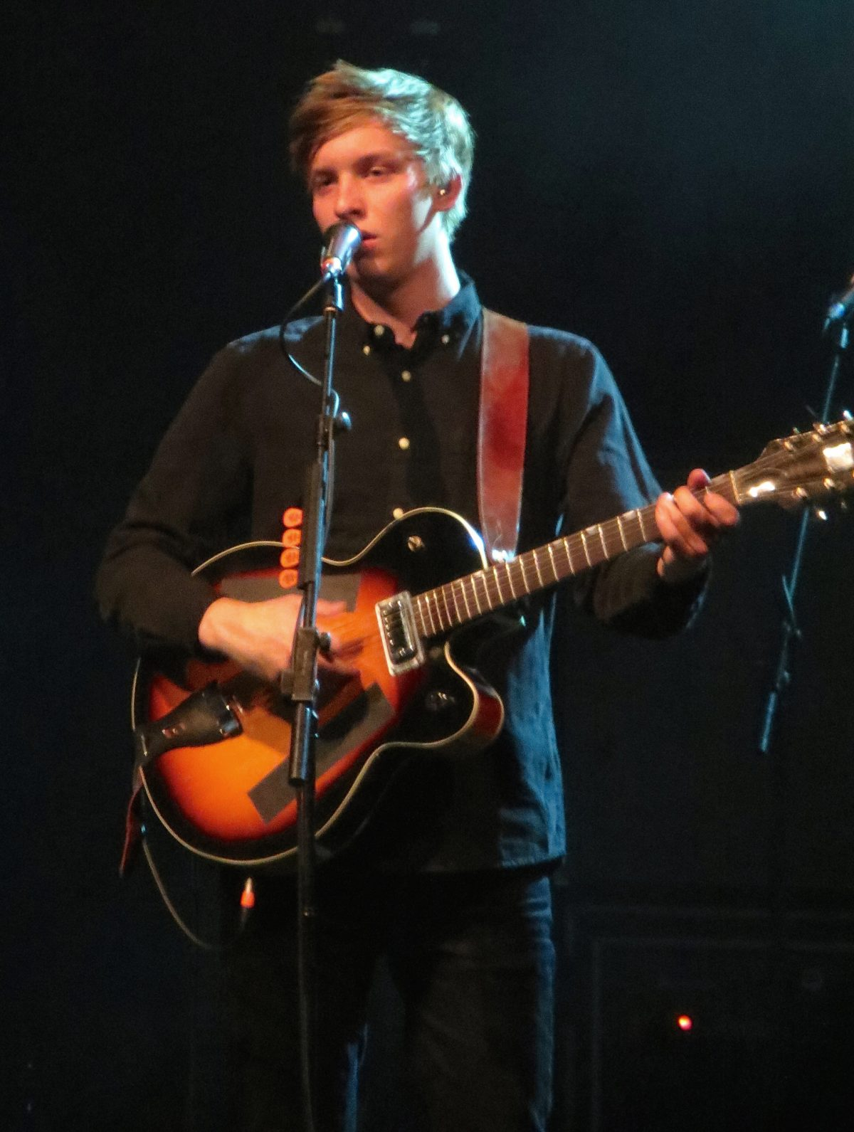 George Ezra Extends UK Tour