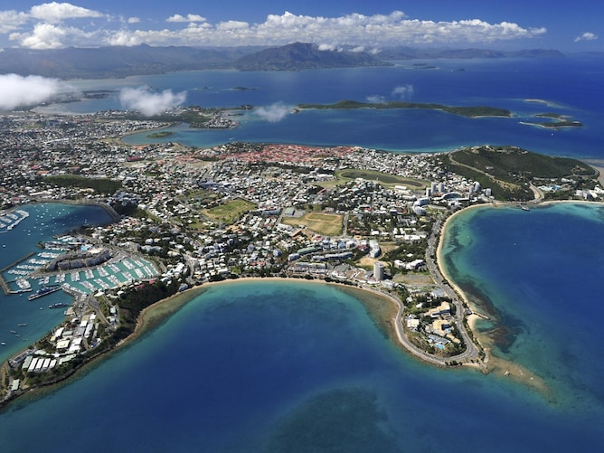 Magnitude Earthquake Strikes in South Pacific : Tsunami warnings for New Caledonia