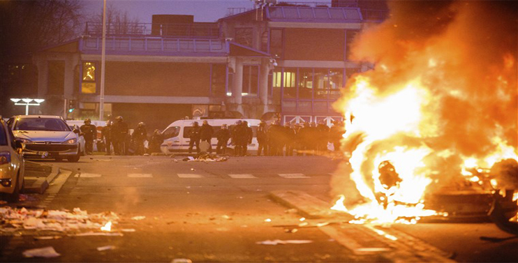 Paris:  Protest Turns Violent