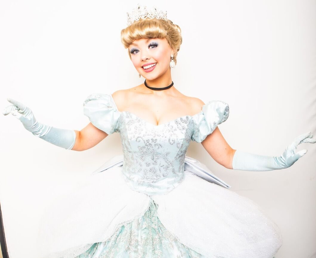 Book your tickets before the clock strikes midnight… for Cinderella pantomime in South Wales!
