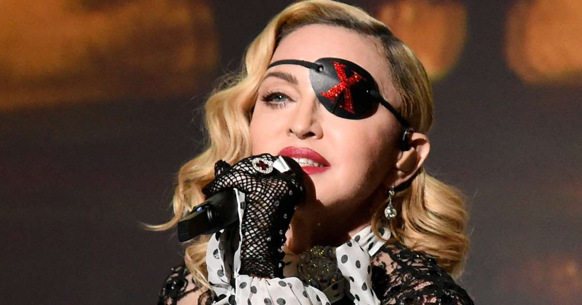 Fans Sue Madonna for Being Late in Concert